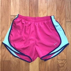 Nike Dri-Fit Tempo Women's Running Shorts sz M